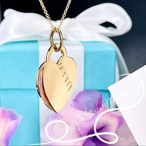 Tiffany & Co. Tiffany Charms Medium Heart Tag Charm in 18k Yellow Gold